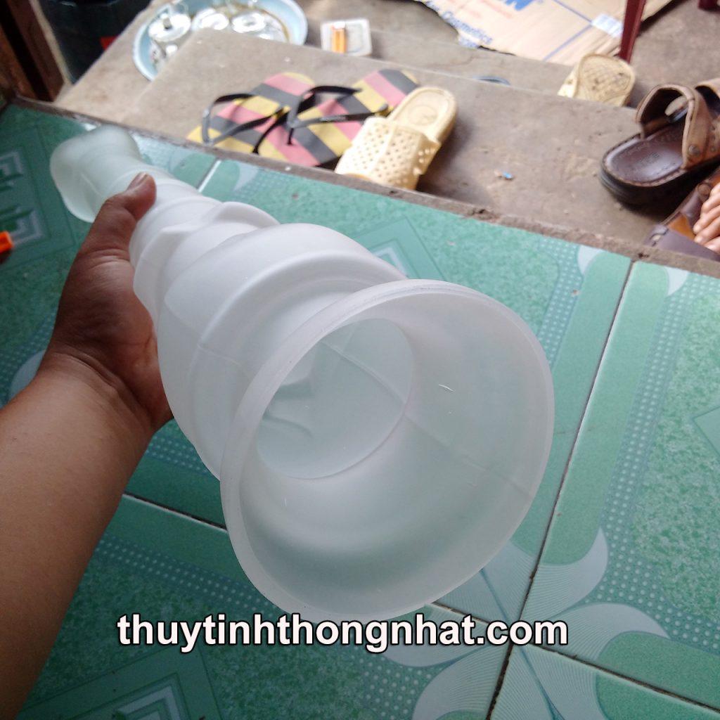Sản phẩm búp sen thủy tinh trang trí được thổi thủ công